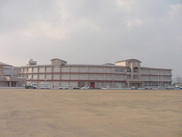 舞鶴中学校